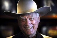 Meghalt Larry Hagman, A Dallas Jokeyja