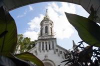 Gaz n�tte be Budapest titkos templom�t